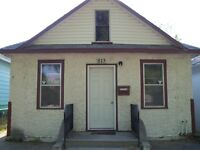 2 bedroom house in King George (813 Ave. i South)