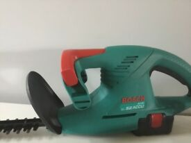 BOSCH BATTERY HEDGE TRIMMER (CAN DELIVER)