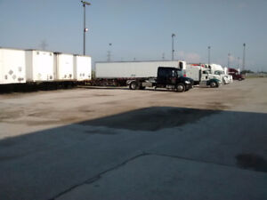 Truck Trailer Parking and Warehouse for  trucking company