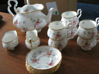 Royal Albert tenderness pattern vintage flawless - $379 (South s