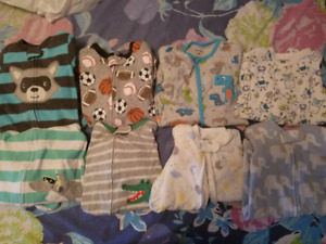 17 baby long sleeved sleepers size 9 months