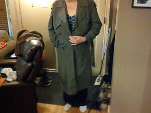 """Like New"" Spring/Trenchcoat/Raincoat Size 9/10 fits larger"