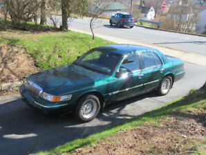 2001 Mercury Grand Marquis for sale...90288 km's....$3200.00...