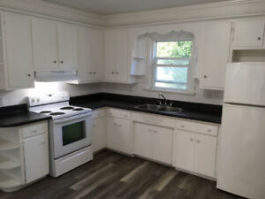 Large 3Bdrm apartment in Welland Oct 1st $1,475 Heat/Water Inc