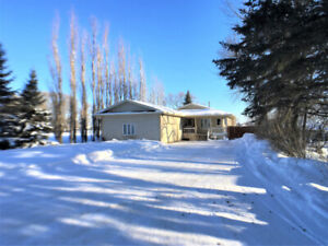 Great 4 bedroom Property just steps from city limits of Portage