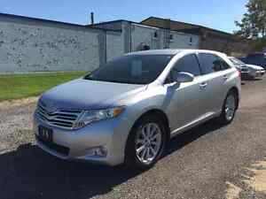 2011 Toyota Venza Crossover - One Owner - Only 90299km!!
