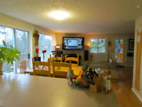 BEAUTIFUL BRIGHT 3 BED SOOKE/METCHOSIN 10 MIN TO LANGFORD