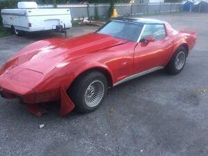 Corvette 1979 accidenté