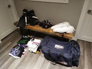 Hockey equipment Gloves Pants Jerseys Socks Bag, shin guard