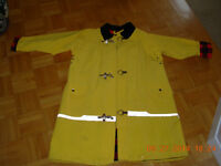 Yellow flannel lined size 6x7yrs raincoat and hat,NEW,never worn