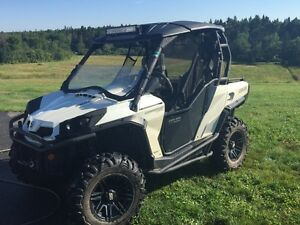 2014   1000 Can-am Commander limited.