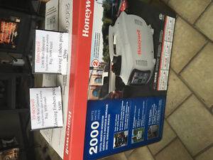 Honeywell 1,600 and 2000 watt inverter Generator