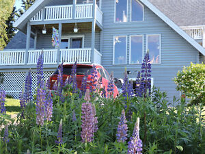 Beautiful country home overlooking the ocean, 30 min. from Truro
