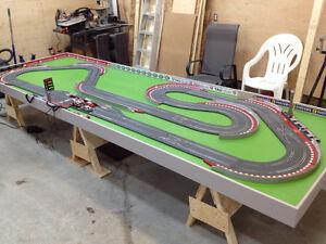 Piste de course SCX digitale et table 14 X 5 pi. + accessoires Saguenay Saguenay-Lac-Saint-Jean image 2
