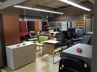 Chaises - Classeur - mobilier de bureau...