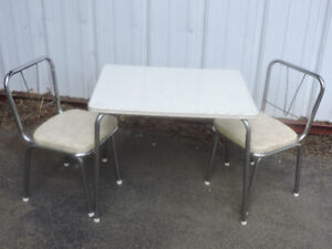 Kids retro table set with 4 chairs