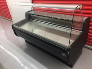 $900 Deli display , igloo corner pastry dispaly , cake display