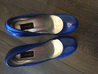 Schuh high heels in electric blue size 4
