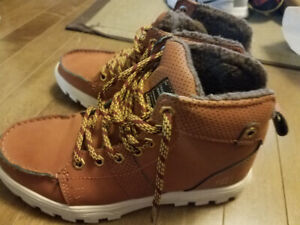95b46541691 Hiking Boots 6 | Kijiji in Alberta. - Buy, Sell & Save with Canada's ...