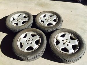 4 Toyo Observe GSI-5 Winter Tires with rims