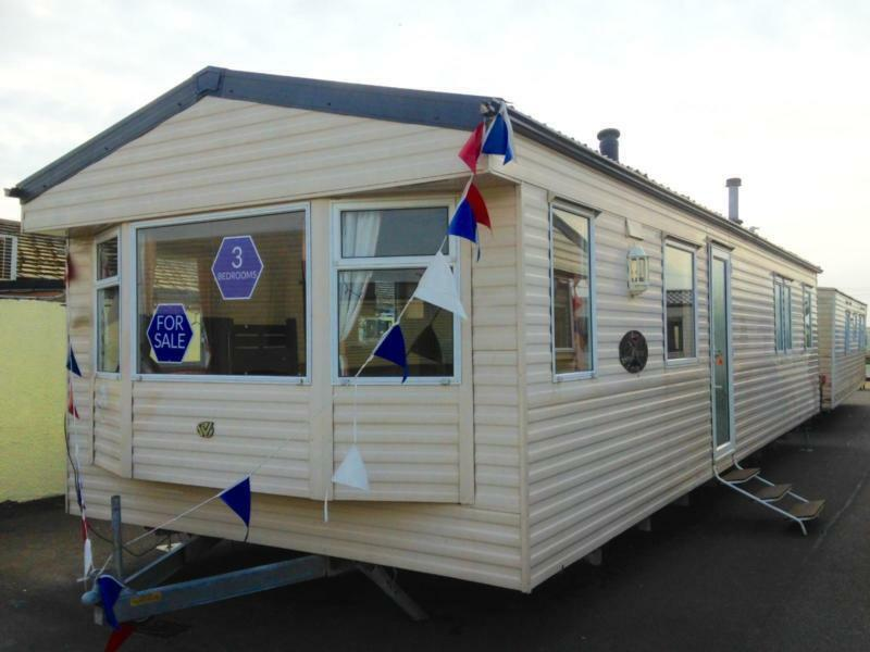 Static Caravan Nr Clacton-on-Sea Essex 3 Bedrooms 8 Berth Willerby Richmond