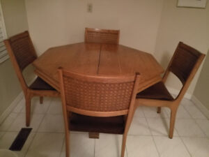 Dining room/ kitchen table and 4 chairs with matching  hutch