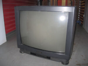 Old 24 inch Masonic TV good for cottage w/ remote