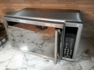Microwave, Black and Stainless Steel Finish, Apartment Size