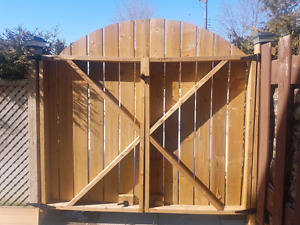 Custom Gate Great condition