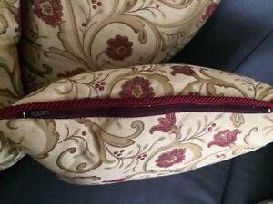 """Custom Made Gorgeous Downfilled 18"""" x 18"""" Floral Pillows Cambridge Kitchener Area image 4"""