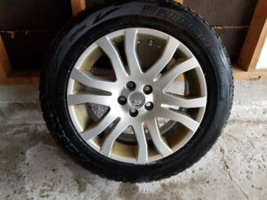 4 x Landrover LR2 2013 Rims and winter tires (235/60R18)