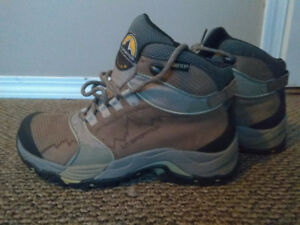 Women's La Sportiva Hiking Boots