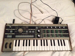 Micro KORG synthesizer / vocoder