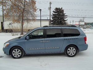 2007 Hyundai Entourage ,WE ARE ORIGINAL OWNER 98 KMS