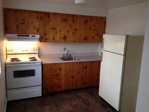 362 UNION ST 1 BEDROOM UNIT AVAILABLE IMMEDIATELY. $500UNHEATED