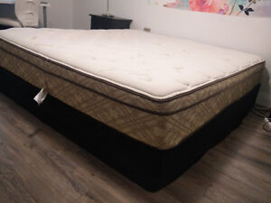 King Mattress (Organic Cotton) from Sleep Country-Mint Condition