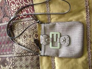 Guess Purses and Wallet Cambridge Kitchener Area image 4