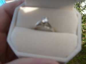 for sale half caret diamond ring size 6  mint  ladies  ring