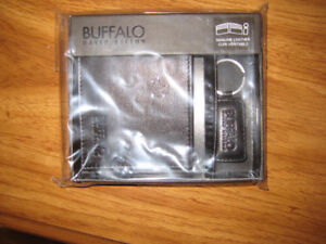 Mens Buffalo Leather Wallet with Key Ring