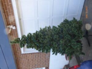 artificial xmas tree