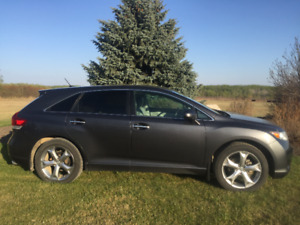 2011 Toyota Venza V6 AWD - REDUCED PRICE