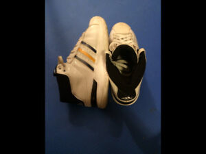 Adidas Basketball Shoes Size 7.5  Excellent Condition