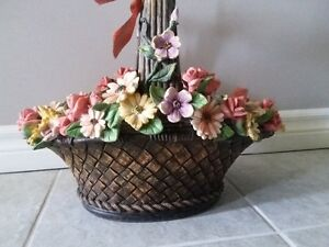 DECORATIVE FLORAL CLAY PLANTER BASKET WITH HANDLE London Ontario image 3