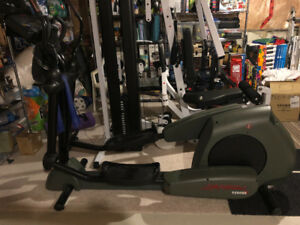 Life fitness 9500hr elliptical trainer