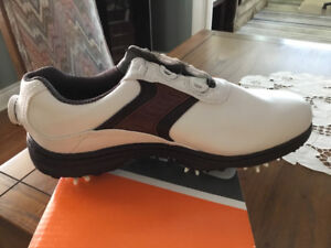 New Foot Joy Contour golf shoes size 10 in the box.