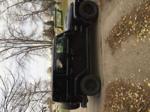 Selling call of duty Jeep rubicon