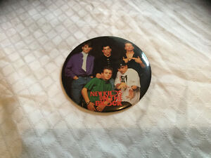 Vintage 1989 New Kids On The Block Pin Button/Stand