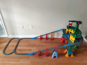Fisher-price Thomas Super Station Playset Train