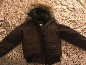 selling a small size Canada goose parka London Ontario image 1