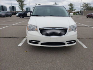 2011 Chrysler town& country